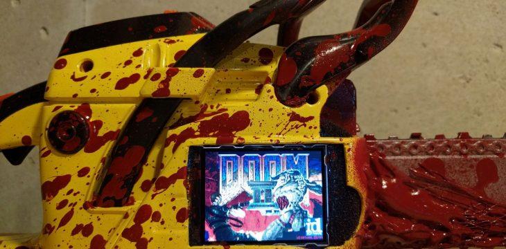 Perfektes Spielgefühl: Spielt DOOM 2 auf einer Kettensäge!